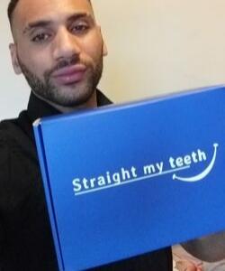 Phillip Mundle usuing StraightMyTeeth's Impression Kit